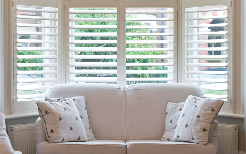 12-lounge-bay-window-plantation-shutter-winchester-hampshire