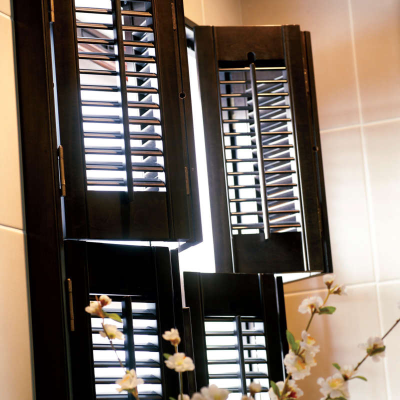 50-wooden-tier-on-tier-shutters-alton-hampshire