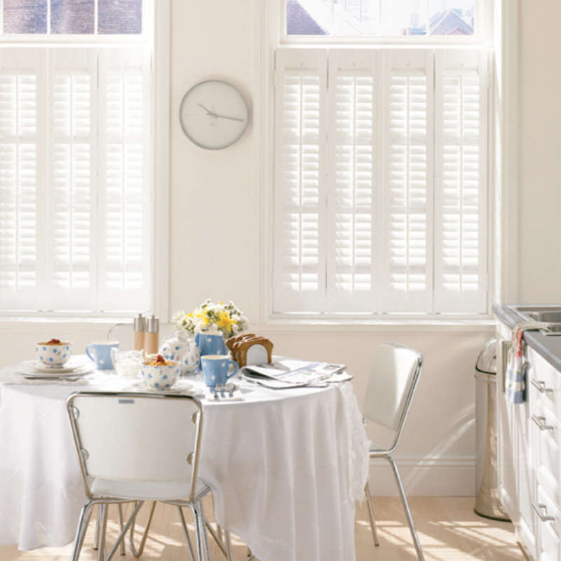 53-cafe-style-plantation-shutter-petersfield-hampshire