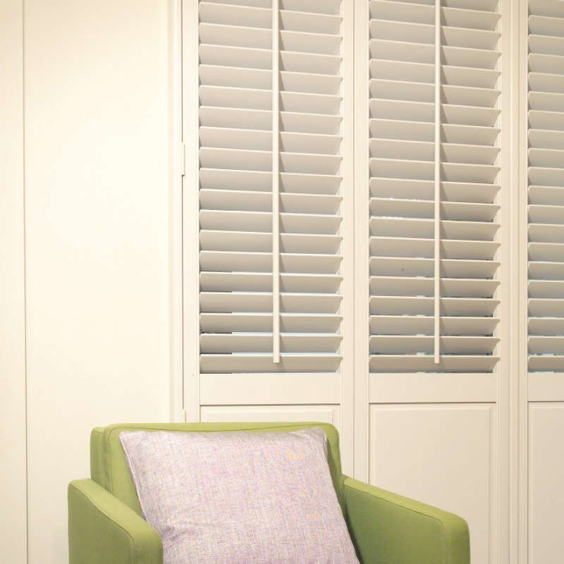 60-solid-louvered-plantation-shutters-basingstoke-hampshire
