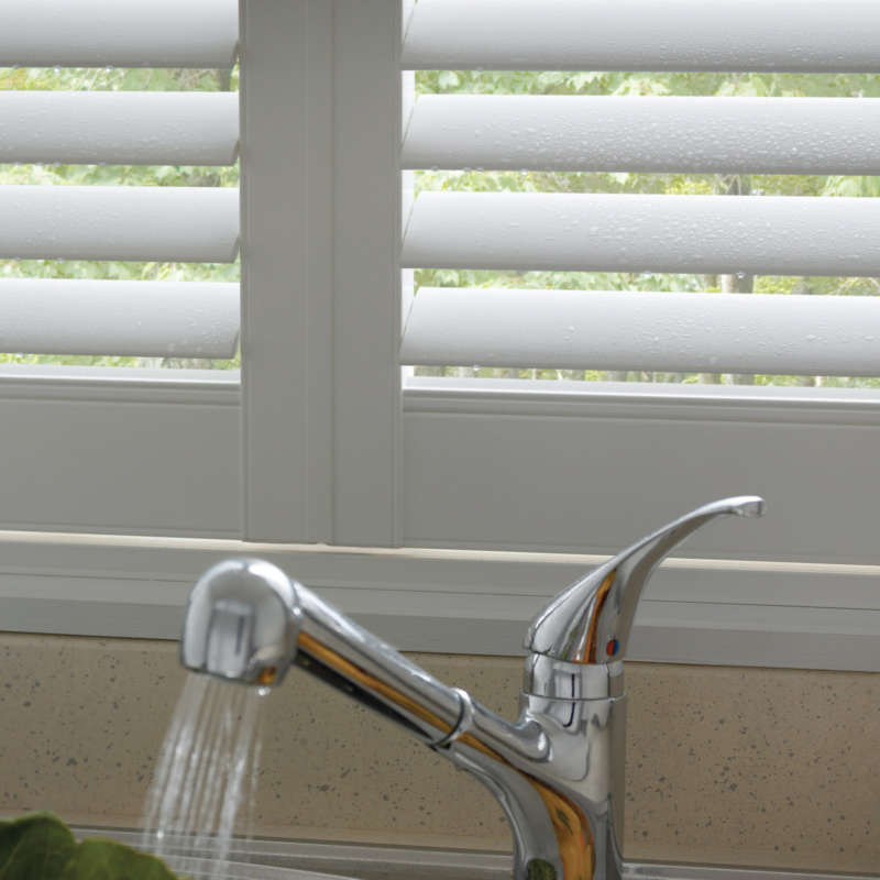 75-waterproof-litchen-window-shutters-andover-hampshire