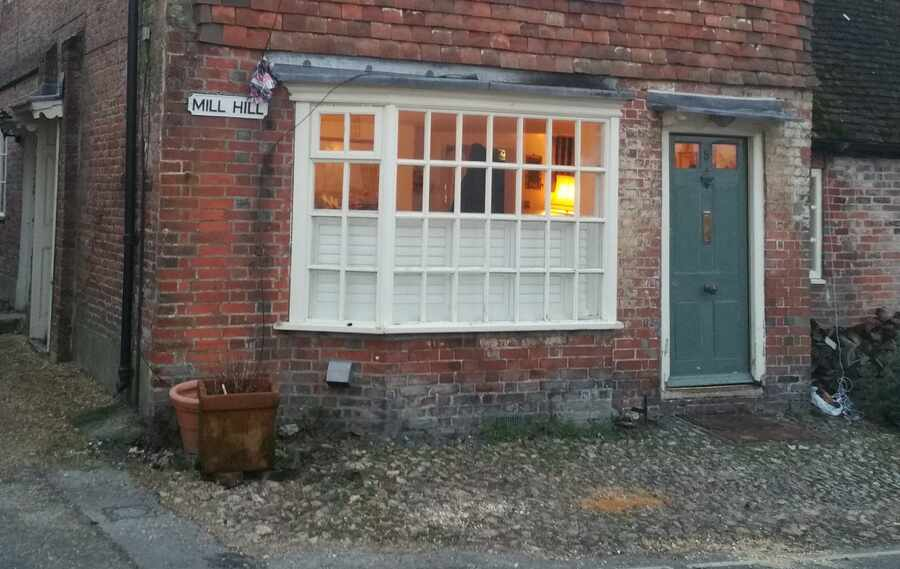 cafe-style-shutter-outside-crop-Alresford-Hampshire-The-Great-Shutter-Co