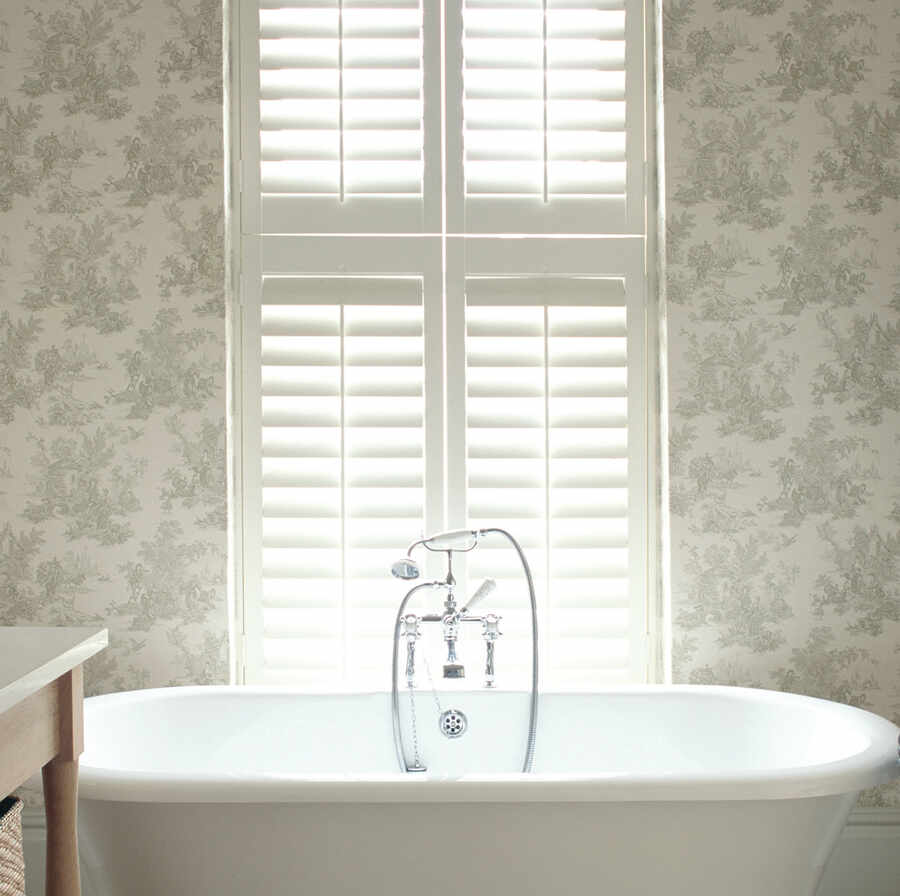 26-waterproof-bathroom-shutter-winchester-hampshire