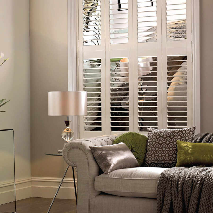 36-living-room-tier-on-tier-plantation-shutters-alton-hampshire