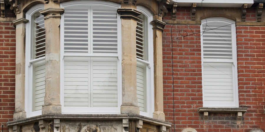 02-white-bay-window-shutter-testimonial-winchester-hampshire