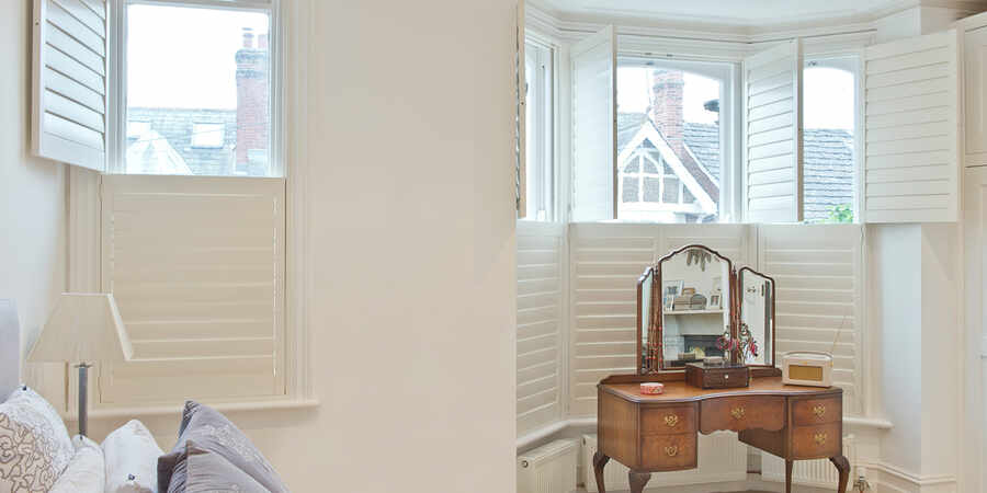 03-bay-window-shutter-testimonial-winchester-hampshire