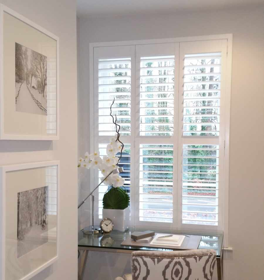bedroom-plantation-shutter-Winchester-Hampshire-The-Great-Shutter-Co.-2
