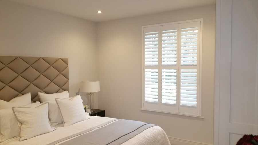 bedroom-trifold-shutter-winchester-hampshire-The-Great-Shutter-Co